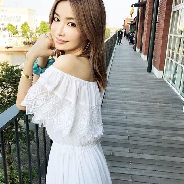 азиаточка